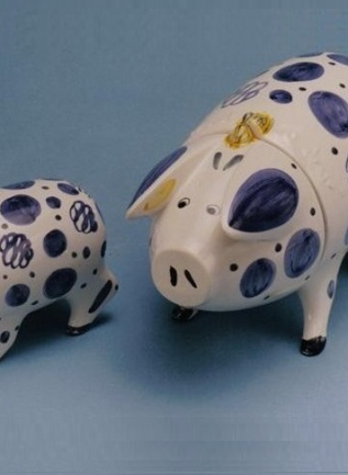 Rye Pottery - Hand-painted Ceramic Sussex Pigs - Still Produced today