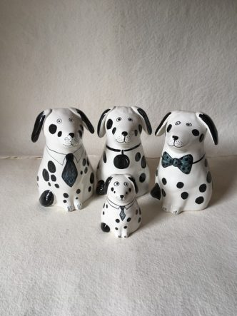 Rye Pottery Hand made and hand decorated ceramic Puppies and Dogs3
