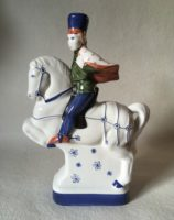 Rye Pottery Hand made and painted figures from Chaucer Canterbury Tales The Squire1